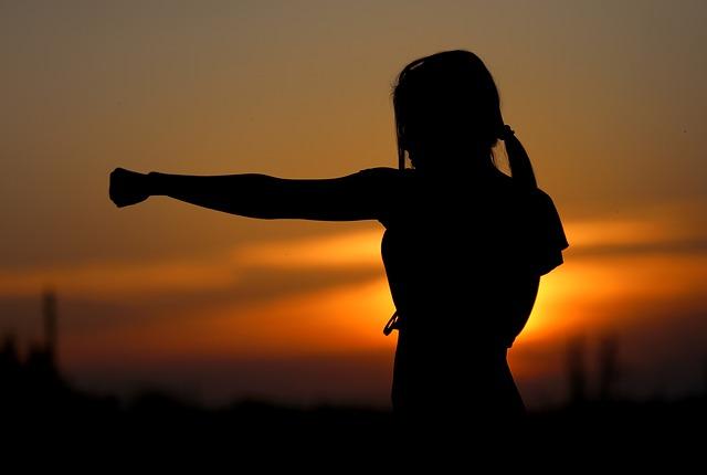 karate při západu